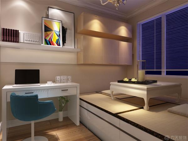 这次风格的设计整体色调简洁大方,给人大气沉稳,又不失温暖舒适的感觉。次卧室床和衣柜,注重休息。