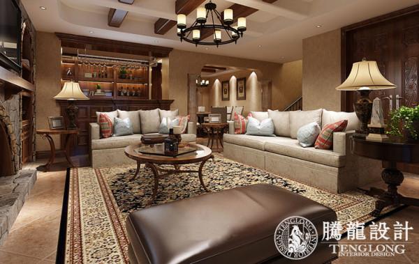 设计上使用美国樱桃木,大理石石材作为装饰;体现美式整体大气端庄而且富有年代感。