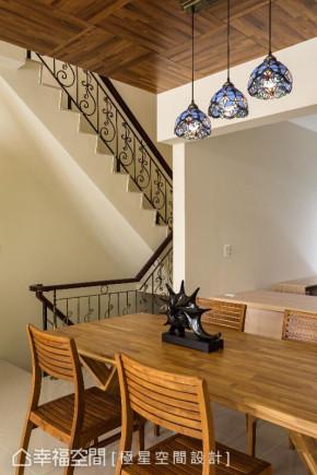 现代 三居 简约 白领 收纳 楼梯图片来自幸福空间在550平现代风格恋家还是老的好!的分享