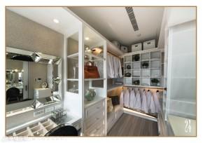 新古典 三居 欧式 收纳 简约 衣帽间图片来自幸福空间在210平艺术家演绎欧式新古典奢华的分享
