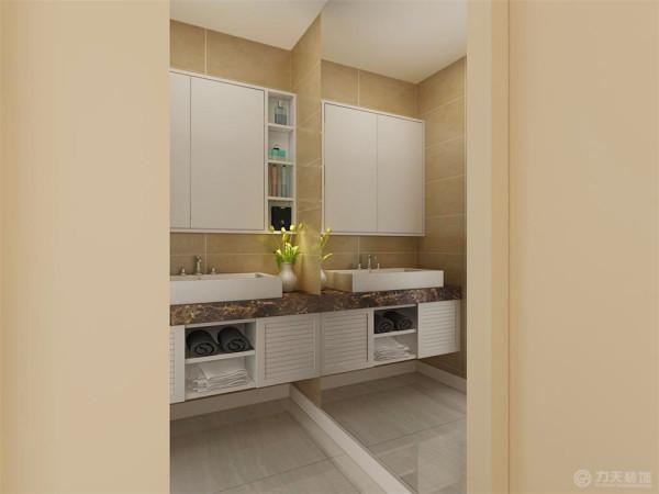 卫生间的干区部分,放了一个手盆加一个小吊柜,旁边的整面墙做镜面,这个想法很大胆、也很独特,放了玻璃之后这个空间会显得大很多。
