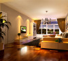 本案力求营造一个温馨舒适的居家环境,抽离过多反复雕饰,从大空间精心细致雕琢,使整个空间显得流畅,结构十分合理,浑然天成。