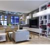郑州正商新蓝钻80平复式现代简约装修案例效果图——沙发墙没有做过多的设计,浅色乳胶漆,陪简约时尚的装饰画,把空间的整体氛围表现的更加温馨。