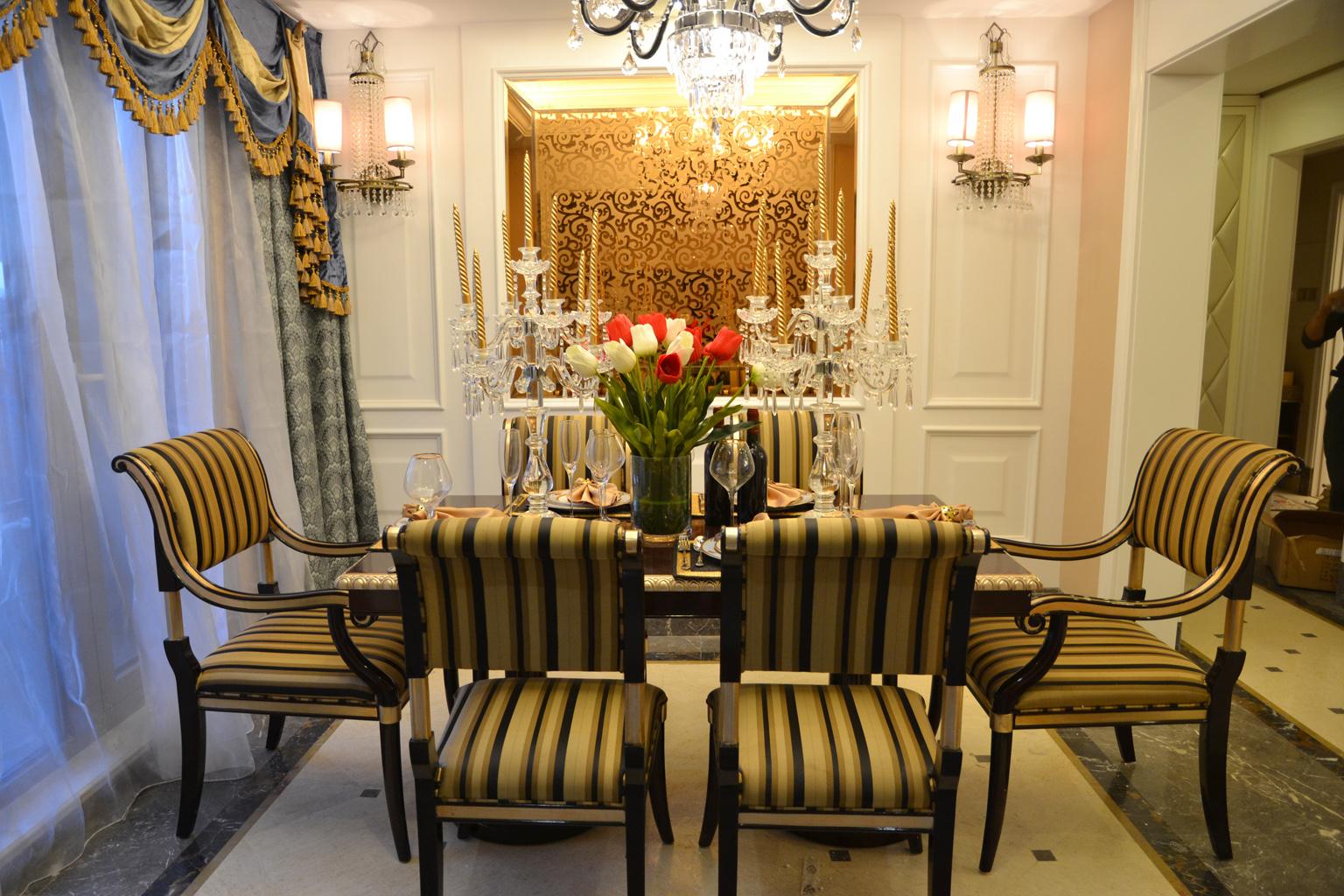 欧式 奢华 别墅 收纳 小资 餐厅图片来自别墅装修尚层装饰王丽在奢华的欧式宫廷范~的分享