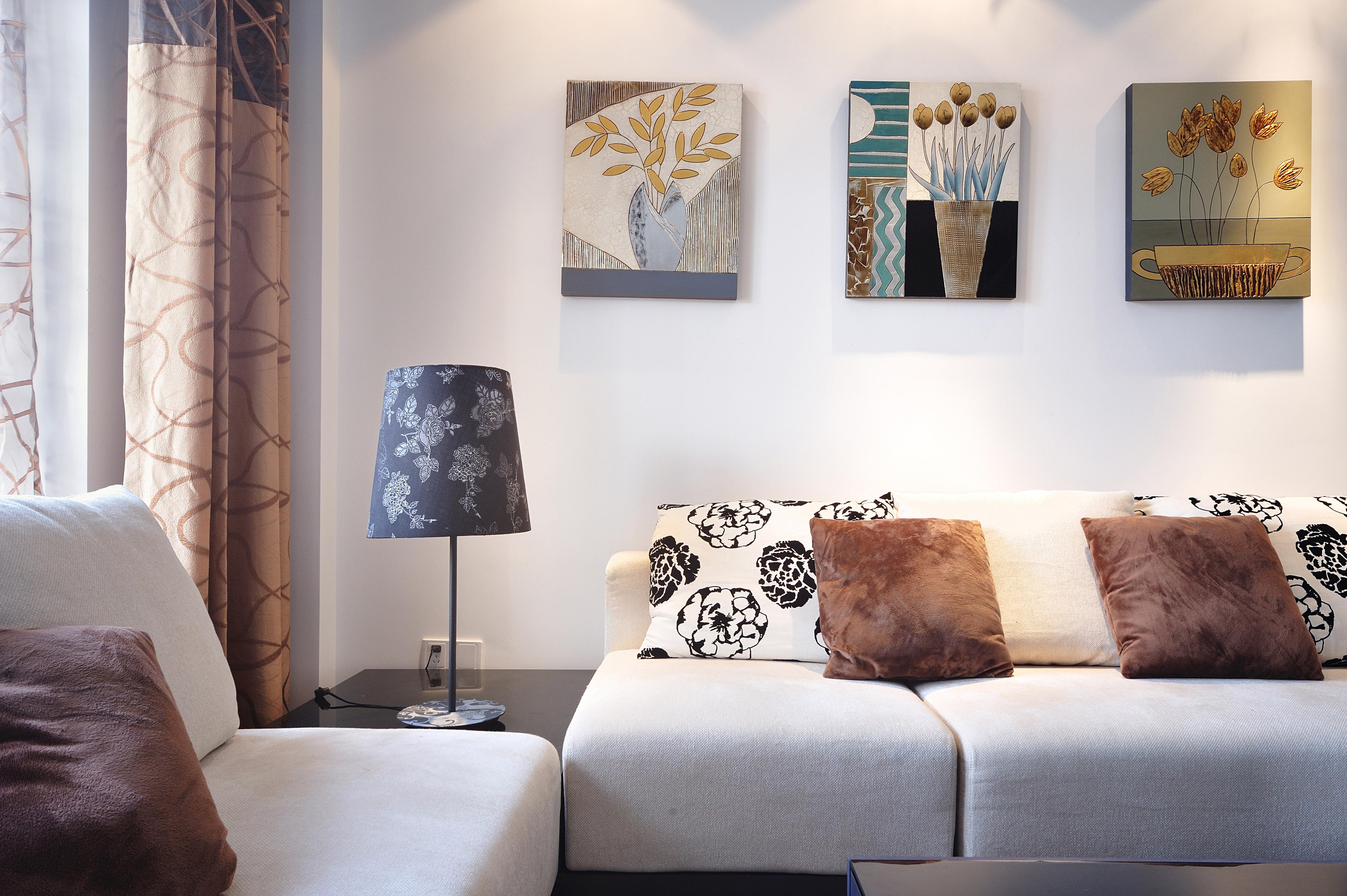三居 收纳 小资 客厅图片来自广州生活家家居在金辉莱茵城128㎡的分享