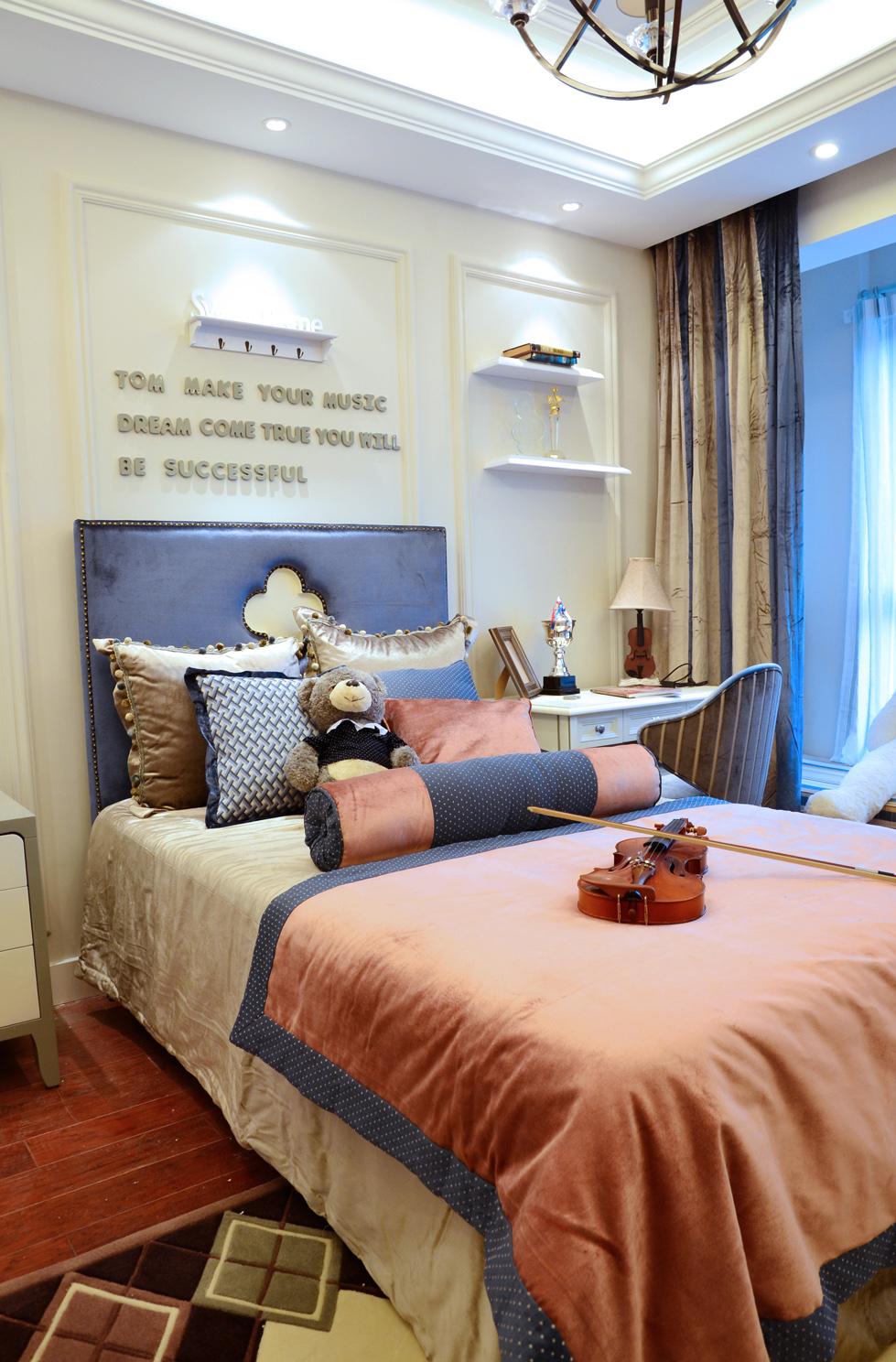 欧式 奢华 别墅 收纳 小资 卧室图片来自别墅装修尚层装饰王丽在奢华的欧式宫廷范~的分享
