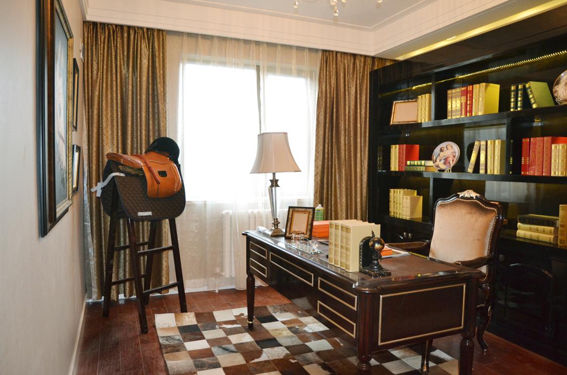欧式 奢华 别墅 收纳 小资 书房图片来自别墅装修尚层装饰王丽在奢华的欧式宫廷范~的分享