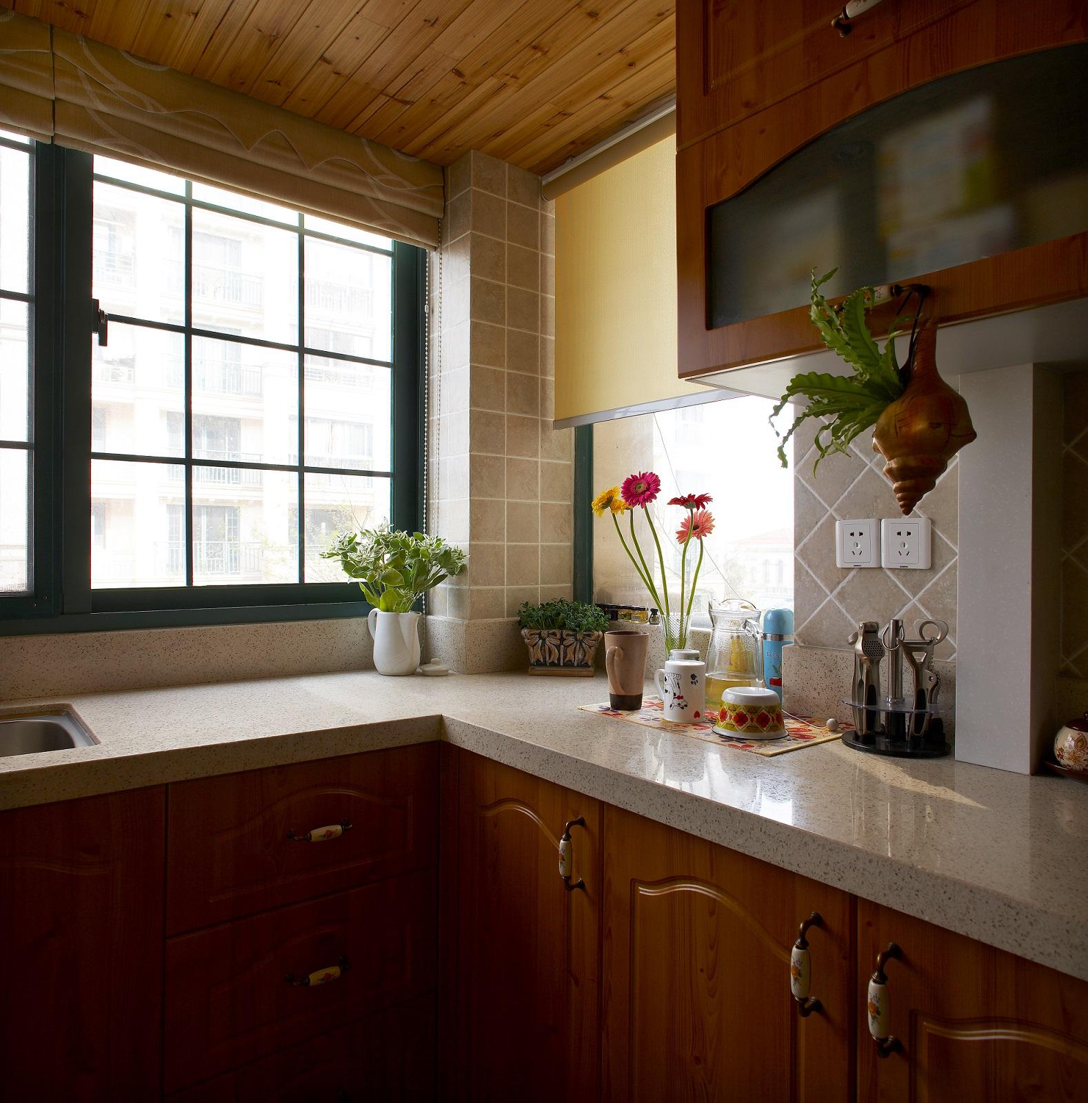 厨房图片来自小若爱雨在设计源于生活,生活才会多姿多彩的分享