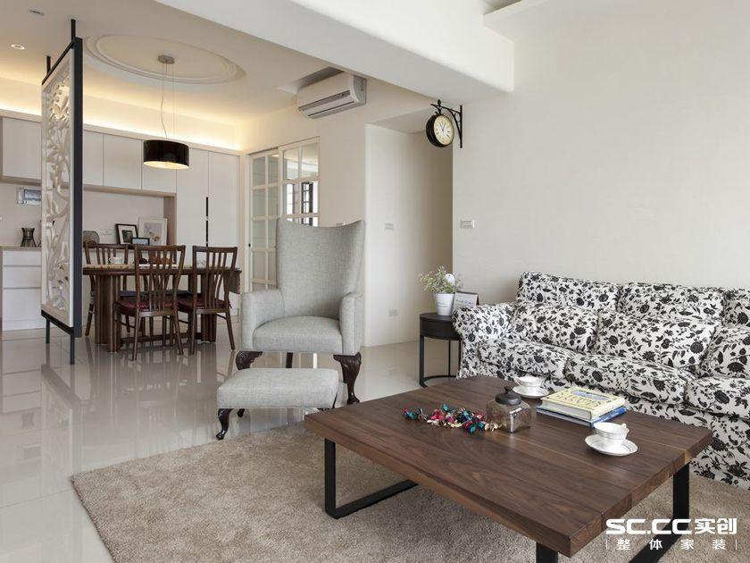 三居 140平 美式 清新 白色 客厅 卧室 餐厅 飘窗 客厅图片来自实创装饰晶晶在140平美式三居小清新格调的分享
