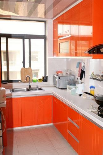 三居 别墅 80后 厨房图片来自上海实创-装修设计效果图在上海102平米现代简约风格的分享