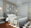 主卧室吊顶和客餐厅区域一样,叠级石膏线处理。