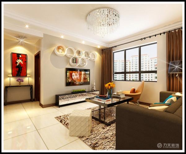 客厅的电视背景墙是以咖色乳胶漆加以展示架做了一个简单而又美观的造型,整体墙体是以奶咖色乳胶漆为整体,电视柜是以黑色烤漆加以镜面组成。