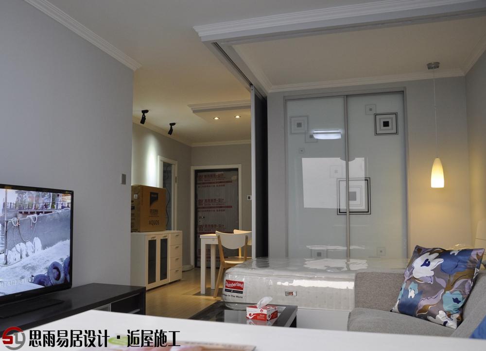 北京二手房 北京老房装 北京旧房装 思雨易居室 北京别墅装 客厅图片来自思雨易居设计在《单纯》52平米现代简约风格的分享