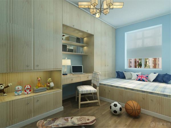 两个卧室简约大方,书房做榻榻米通顶柜,主人可以安静学习,也可作为休闲,休息的空间。整体色调以暖色为主,给人温馨,舒适的感觉。