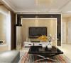 电视背景墙黑镜圈边里面铺贴暖色壁纸,和整个空间相呼应。