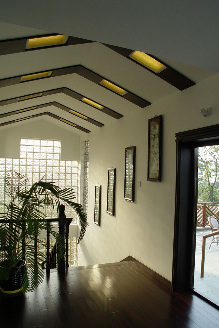 楼梯图片来自cdxblzs在中海名城 160平米 现代中式 复式的分享