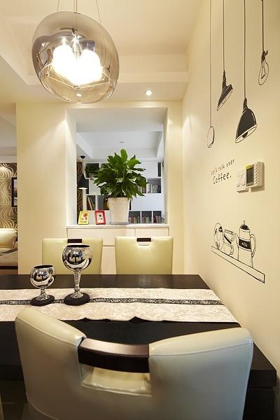 保利心语 简约 三居 小资 收纳 客厅图片来自成都高度国际在【高清】122平现代简约温馨雅居的分享