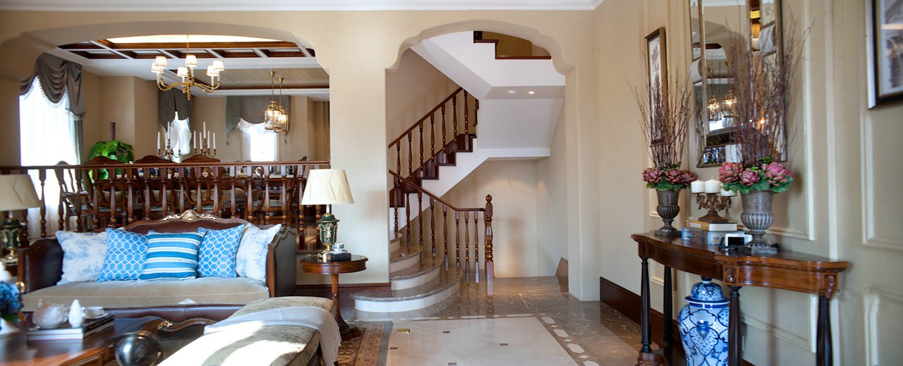 青岛装修 美式 装饰公司 楼梯图片来自青岛威廉装饰在熙园别墅美式设计的分享