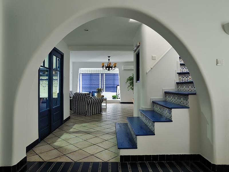 楼梯图片来自上海本意空间建筑装饰有限公司在地中海风格的分享