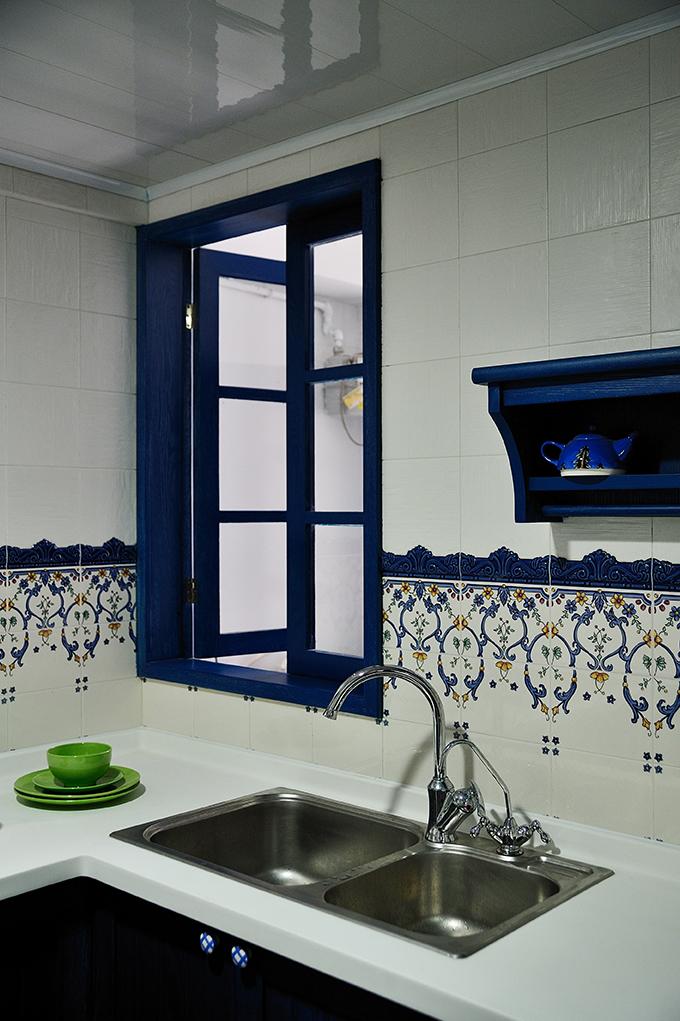 厨房图片来自上海本意空间建筑装饰有限公司在地中海风格的分享