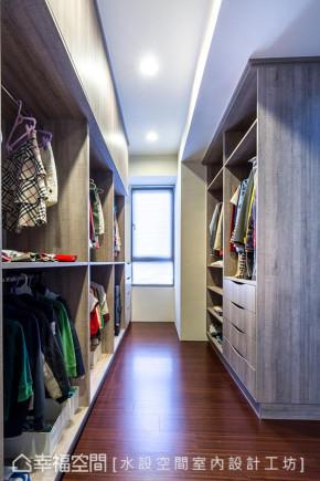 简约 现代 时尚 温馨 三居 小资 80后 衣帽间图片来自幸福空间在175平打造现代简约感幸福宅的分享
