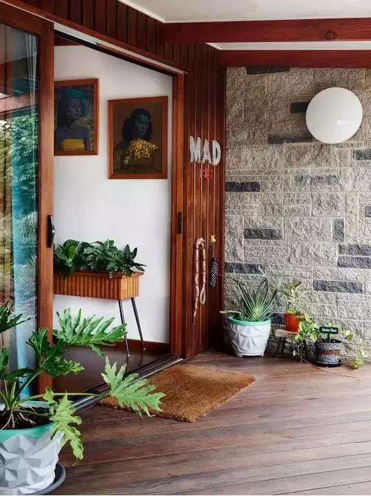 三居 东南亚 客厅 卧室 儿童房 玄关图片来自实创装饰晶晶在60年代老房子的艳丽与风情!的分享