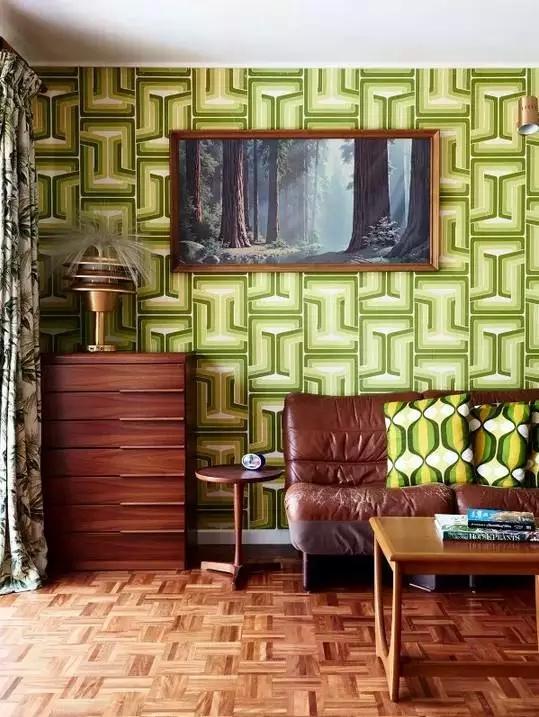 三居 东南亚 客厅 卧室 儿童房 客厅图片来自实创装饰晶晶在60年代老房子的艳丽与风情!的分享