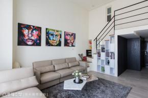 二居 黑白 现代 简约 小资 80后 楼梯图片来自幸福空间在100平黑白色调诠释现代风尚的分享