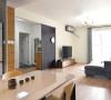 简单、温馨的氛围和环境,猫星人两居室,给人慵懒,舒适感。