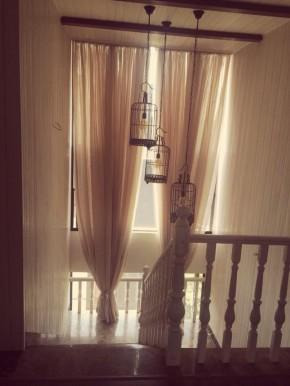 简约 混搭 白领 收纳 80后 小资 美式 楼梯图片来自佰辰生活装饰在165平美式混搭温馨小跃层的分享