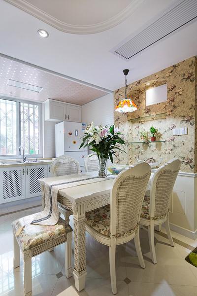田园 餐厅图片来自四川岚庭装饰工程有限公司在80平简欧田园混搭风二室一厅的分享