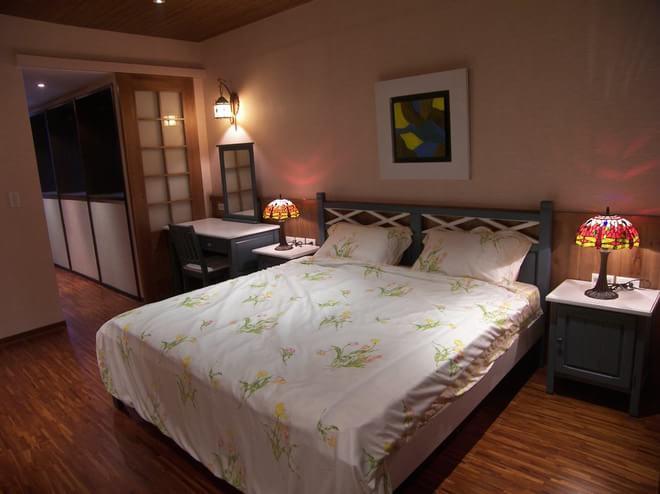 混搭 卧室图片来自四川岚庭装饰工程有限公司在西班牙乡村的豔红小窝的分享