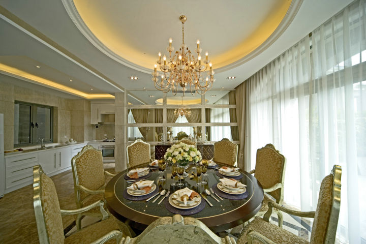 龙城一号 280平米 古典欧式 别墅 餐厅图片来自cdxblzs在龙城一号 280平米 古典欧式 别墅的分享