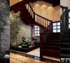个性化地砖设计加上简单的玄关桌和中式摆件具有深厚的文化内涵。