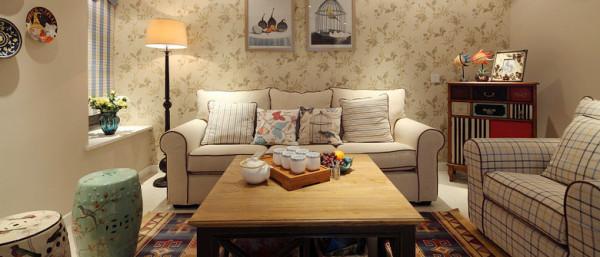 大气的白色客厅、典雅的巧克力色琴房、浪漫的紫色卧室、充满朝气的绿色儿童房,这些都让这76平米的美式田园小户型显得简约时尚,别具一格。