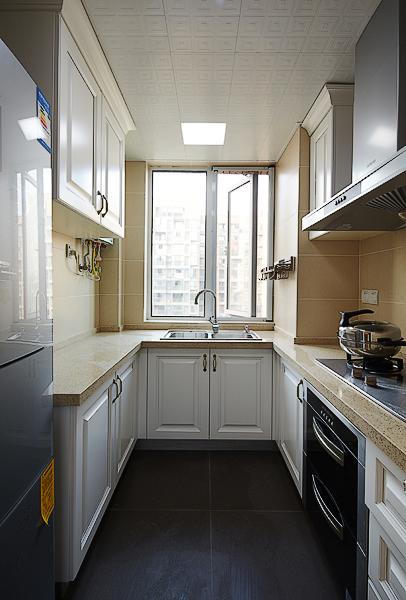 厨房图片来自四川岚庭装饰工程有限公司在90平米现代美式混搭三室两厅的分享