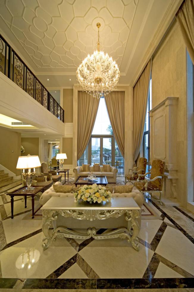 龙城一号 280平米 古典欧式 别墅 客厅图片来自cdxblzs在龙城一号 280平米 古典欧式 别墅的分享