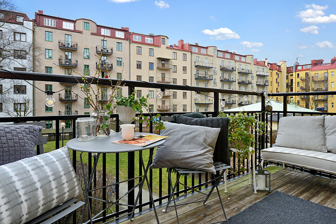 阳台图片来自四川岚庭装饰工程有限公司在94平米翠绿农场边的贵族公寓的分享