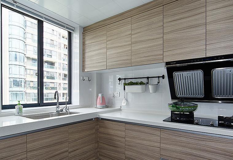 简约 欧式 三居 阳光房 厨房图片来自佰辰生活装饰在舒适阳光房 140平北欧简约风的分享