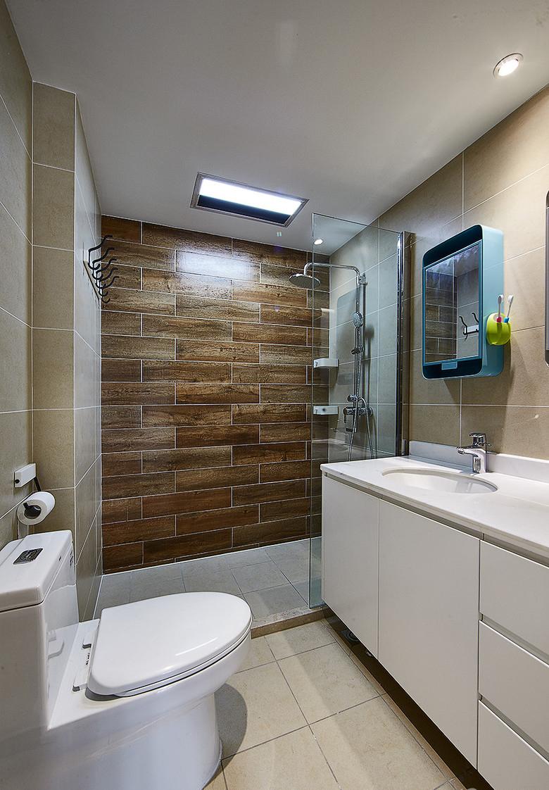 卫生间图片来自家装大管家在温馨明朗140平现代北欧4居室的分享