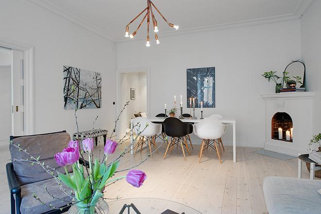 客厅图片来自四川岚庭装饰工程有限公司在94平米翠绿农场边的贵族公寓的分享