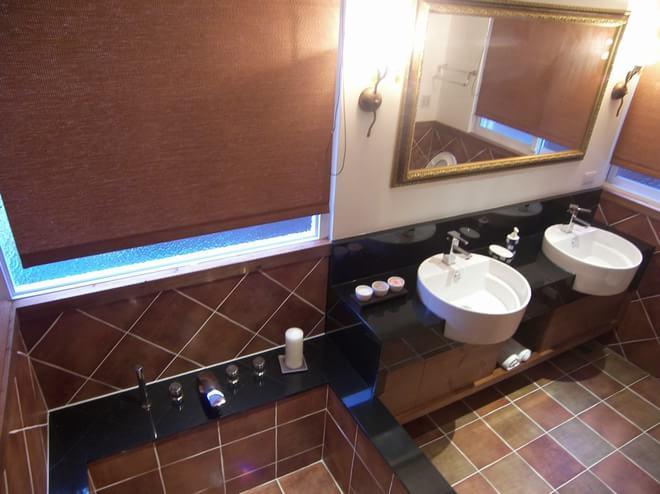 混搭 卫生间图片来自四川岚庭装饰工程有限公司在西班牙乡村的豔红小窝的分享