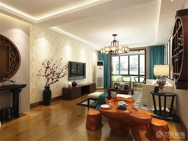 在本案新中式装饰风格中,空间装饰采用了传统中式风格中简洁、硬朗的直线条。但整体的设计使整个空间更加时尚、更富现代感。