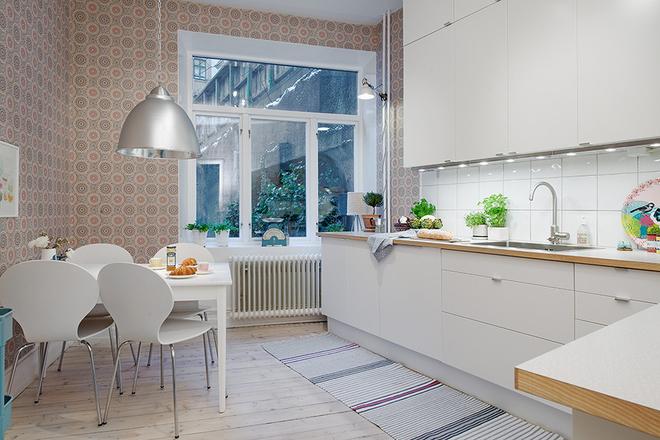 厨房图片来自四川岚庭装饰工程有限公司在80平米童话世界 世纪梦幻三居的分享