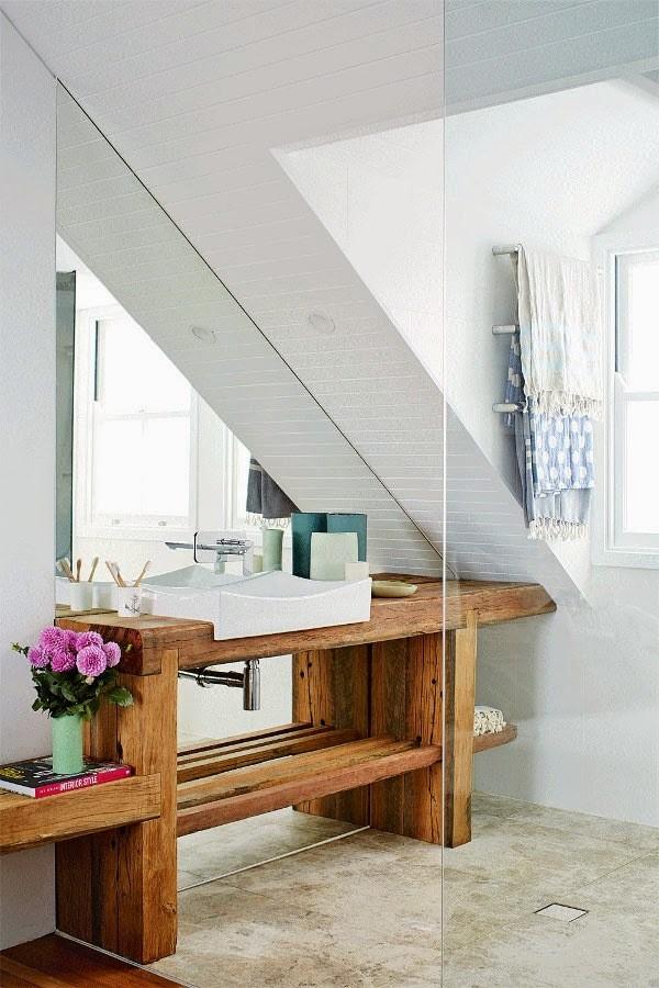 家居空间,最为重要的便是实用功能,如何在饰家的过程中兼顾实用与简约,舒适与漂亮呢?