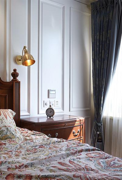 卧室图片来自家装大管家在最美139平美式风格 恬淡中小清新的分享