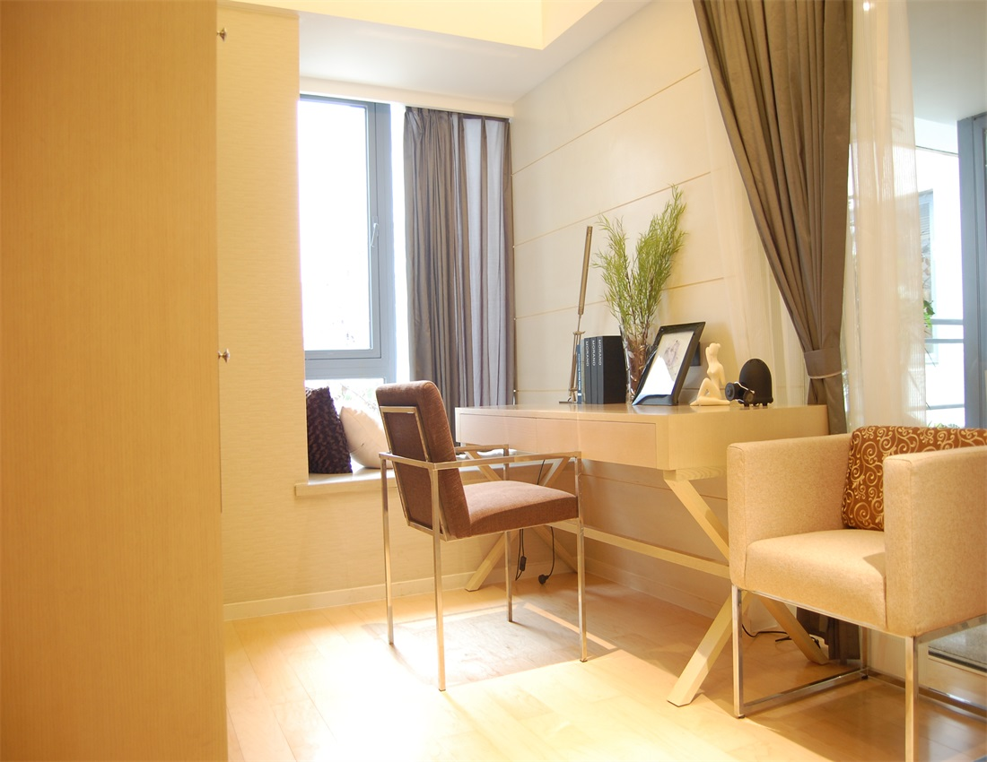欧式 二居 书房图片来自上海蓝图空间在欧式逸静的分享