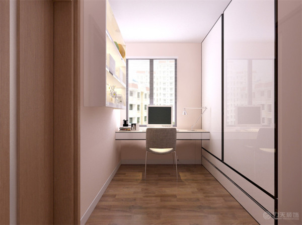 客厅装修是整个家庭装修的重点。 用简单的颜色饰品来做简单的点缀!但会客区的沙发作用很重要,他的造型和颜色会直接影响到客厅的风格。