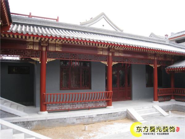 我公司以专业的水平承接了中华文化园四合院会所的装饰装修,完美的再现了京城四合院的经典传承。
