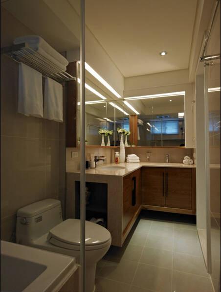主卧卫浴檯面底大理石材质设计出经典高雅的生活质感
